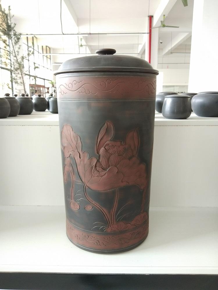 大号荷花浮雕茶叶罐LZS-FG7
